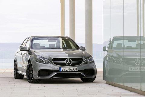 Automotive design, Vehicle, Land vehicle, Car, Automotive mirror, Grille, Automotive exterior, Mercedes-benz, Glass, Rim,