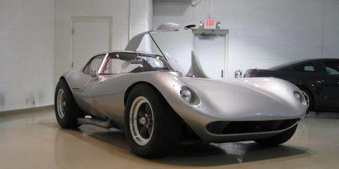 Tire, Wheel, Mode of transport, Automotive design, Vehicle, Land vehicle, Car, Floor, Automotive wheel system, Rim,