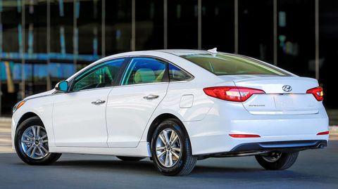 Tire, Wheel, Mode of transport, Automotive design, Vehicle, Transport, Glass, Automotive tail & brake light, Car, Full-size car,