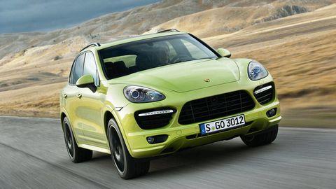 Tire, Automotive design, Mode of transport, Automotive mirror, Vehicle, Land vehicle, Grille, Car, Transport, Hood,