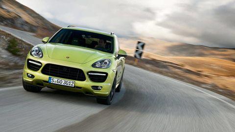 Tire, Automotive design, Vehicle, Automotive mirror, Land vehicle, Car, Grille, Hood, Headlamp, Rim,