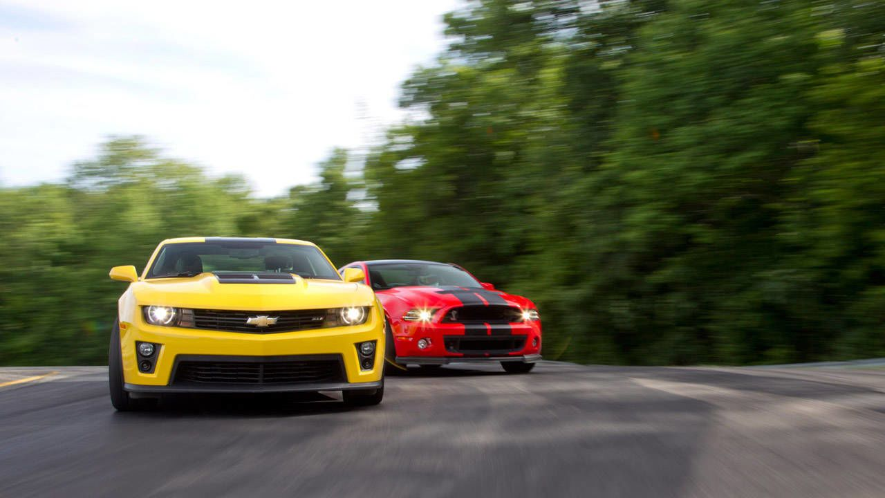 Photos 2013 Ford Mustang Shelby Gt500 Vs 2012 Chevrolet Camaro Zl1