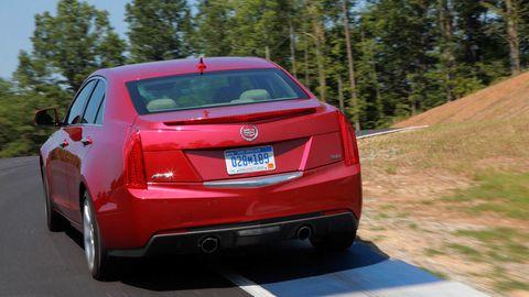 Motor vehicle, Vehicle, Automotive tail & brake light, Automotive design, Car, Full-size car, Mid-size car, Automotive lighting, Sedan, Trunk,