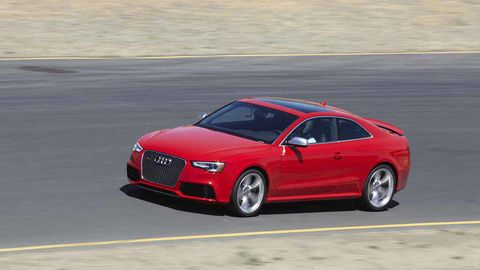 Tire, Wheel, Mode of transport, Automotive design, Automotive mirror, Vehicle, Land vehicle, Road, Transport, Car,