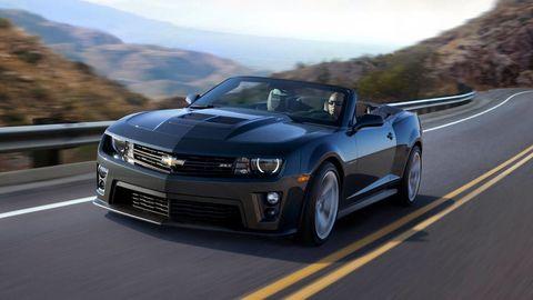 Tire, Automotive design, Mode of transport, Road, Vehicle, Hood, Headlamp, Transport, Infrastructure, Rim,
