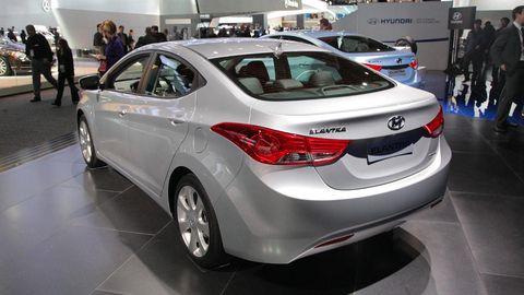 Motor vehicle, Mode of transport, Automotive design, Vehicle, Event, Land vehicle, Car, Vehicle registration plate, Automotive exterior, Personal luxury car,