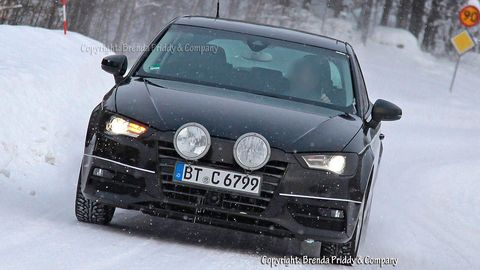 Motor vehicle, Automotive design, Daytime, Automotive mirror, Vehicle, Automotive exterior, Winter, Land vehicle, Automotive lighting, Headlamp,