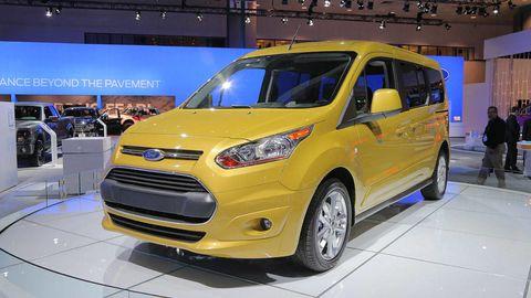 Tire, Motor vehicle, Wheel, Automotive design, Vehicle, Transport, Car, Vehicle door, Grille, Headlamp,