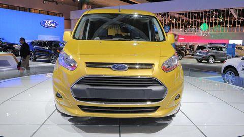 Tire, Motor vehicle, Wheel, Automotive design, Product, Land vehicle, Vehicle, Yellow, Car, Grille,