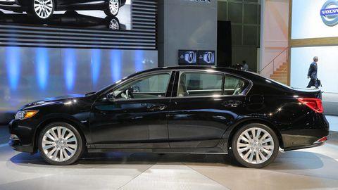 Automotive design, Vehicle, Car, Mid-size car, Alloy wheel, Personal luxury car, Full-size car, Automotive wheel system, Luxury vehicle, Rim,