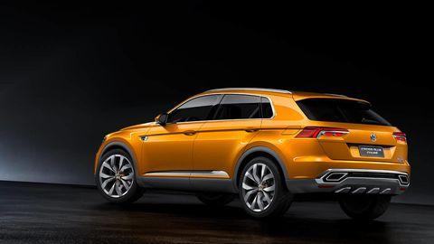 Tire, Wheel, Automotive design, Vehicle, Rim, Car, Alloy wheel, Automotive tire, Spoke, Automotive exterior,