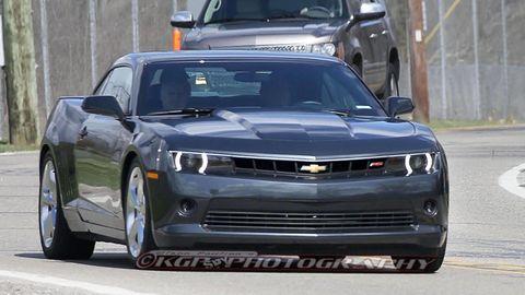 Motor vehicle, Automotive design, Vehicle, Automotive lighting, Automotive tire, Land vehicle, Headlamp, Automotive exterior, Hood, Transport,