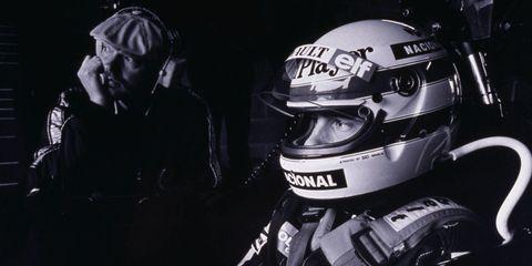 Personal protective equipment, Helmet, Headgear, Sports gear, Racing, Motorcycle helmet, Fictional character, Driving, Kart racing,