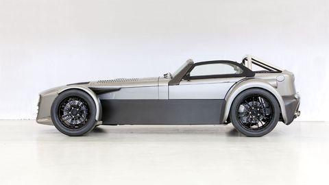 Automotive design, Transport, Rim, White, Automotive wheel system, Car, Alloy wheel, Spoke, Automotive tire, Fender,
