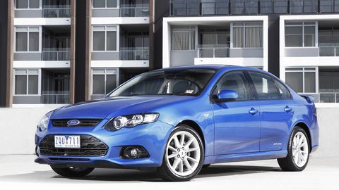 Tire, Wheel, Motor vehicle, Mode of transport, Blue, Daytime, Window, Vehicle, Automotive design, Transport,