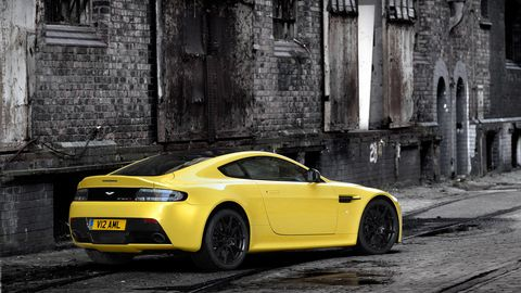 Tire, Wheel, Automotive design, Mode of transport, Yellow, Vehicle, Rim, Road, Infrastructure, Performance car,