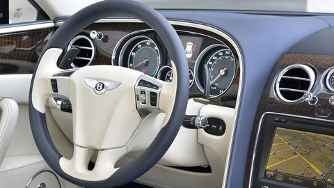 Motor vehicle, Mode of transport, Steering part, Steering wheel, Transport, Vehicle, White, Speedometer, Gauge, Tachometer,