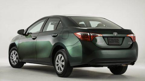 Motor vehicle, Tire, Mode of transport, Automotive design, Product, Vehicle, Automotive mirror, Land vehicle, Glass, Automotive exterior,