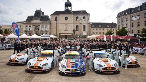 Land vehicle, Window, Performance car, Car, Sports car, Touring car racing, Race car, Crowd, Motorsport, Sports car racing,