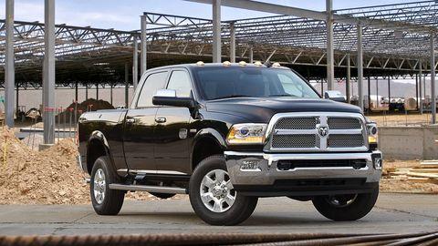 Tire, Motor vehicle, Wheel, Automotive tire, Automotive design, Vehicle, Automotive exterior, Hood, Land vehicle, Rim,