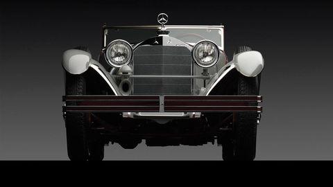 Motor vehicle, Automotive design, Mode of transport, Vehicle, Automotive lighting, Headlamp, Transport, Grille, Classic car, Automotive exterior,