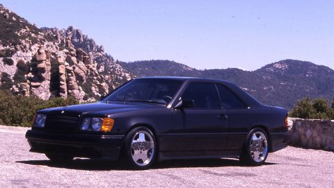 Tire, Wheel, Mountainous landforms, Vehicle, Automotive design, Transport, Rim, Alloy wheel, Car, Automotive tire,