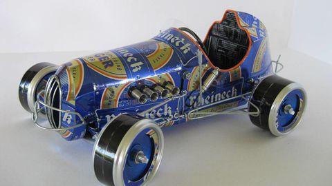 Blue, Automotive design, Automotive tire, Automotive wheel system, Open-wheel car, Cobalt blue, Rim, Synthetic rubber, Auto part, Electric blue,