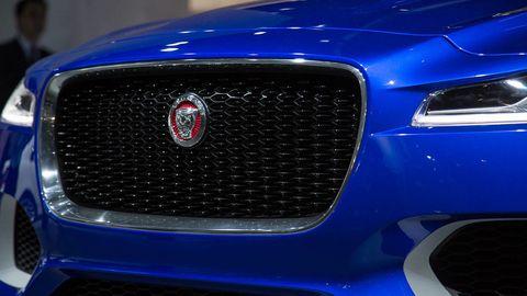 Motor vehicle, Blue, Automotive design, Daytime, Vehicle, Hood, Grille, Car, Automotive exterior, Electric blue,