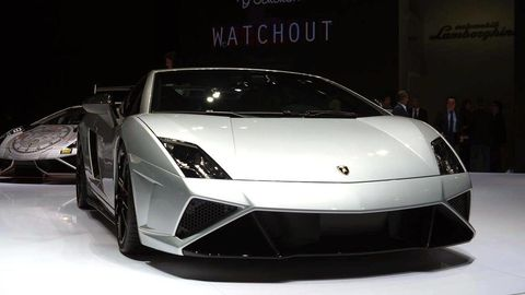 Mode of transport, Automotive design, Transport, Vehicle, Automotive exterior, Car, Headlamp, White, Supercar, Rim,