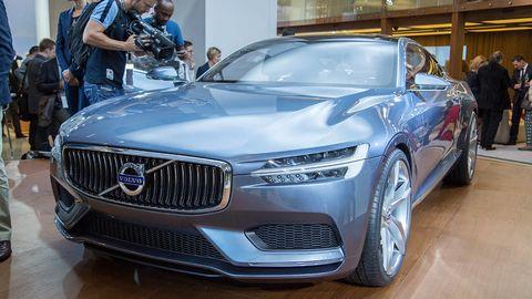 Automotive design, Vehicle, Land vehicle, Event, Grille, Car, Personal luxury car, Auto show, Luxury vehicle, Exhibition,
