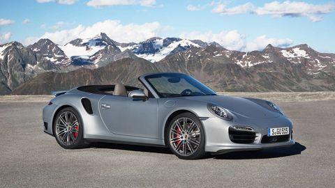 Tire, Wheel, Automotive design, Vehicle, Mountainous landforms, Land vehicle, Mountain range, Alloy wheel, Car, Rim,