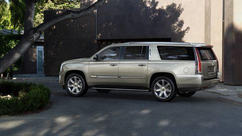 Tire, Wheel, Automotive tire, Vehicle, Window, Automotive exterior, Land vehicle, Rim, Infrastructure, Automotive parking light,
