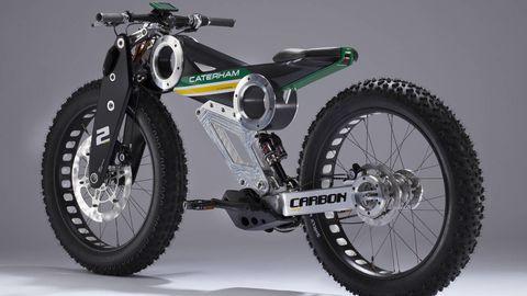 Tire, Wheel, Motorcycle, Automotive tire, Transport, Spoke, Rim, Land vehicle, Automotive wheel system, Tread,