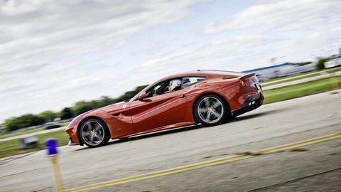 Tire, Wheel, Mode of transport, Automotive design, Road, Alloy wheel, Vehicle, Rim, Automotive tire, Automotive wheel system,