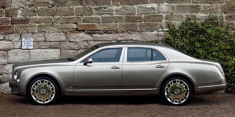 Tire, Wheel, Vehicle, Alloy wheel, Automotive tire, Spoke, Rim, Car, Automotive wheel system, White,