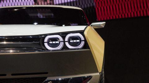 Automotive design, Automotive lighting, Hood, Car, Automotive exterior, Personal luxury car, Light, Grille, Luxury vehicle, Bumper,