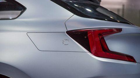 Automotive design, Automotive tail & brake light, Automotive lighting, Carmine, Luxury vehicle, Personal luxury car, Sports car, Silver, Mid-size car, Sedan,