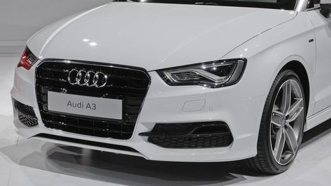 Automotive design, Vehicle, Grille, Headlamp, Automotive lighting, Car, Automotive exterior, Rim, Audi, White,
