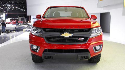 Motor vehicle, Tire, Automotive design, Vehicle, Product, Land vehicle, Automotive lighting, Grille, Car, Automotive tire,