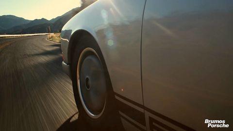 Motor vehicle, Tire, Automotive tire, Automotive design, Automotive exterior, Alloy wheel, Rim, Automotive wheel system, Vehicle door, Automotive lighting,