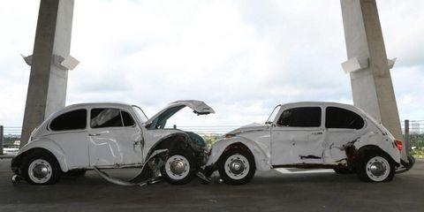 Tire, Wheel, Motor vehicle, Automotive tire, Mode of transport, Vehicle, Window, Land vehicle, Rim, Automotive design,