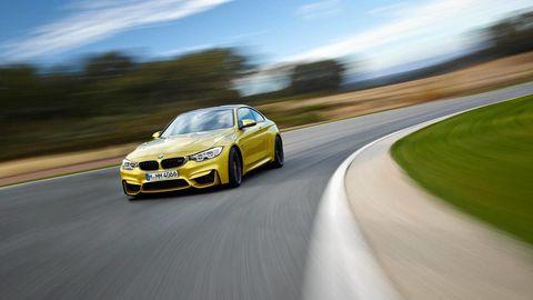 Road, Tire, Wheel, Automotive design, Mode of transport, Infrastructure, Rim, Automotive lighting, Car, Asphalt,