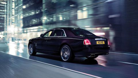 Tire, Wheel, Automotive design, Vehicle, Transport, Automotive lighting, Automotive tail & brake light, Rim, Car, Automotive parking light,