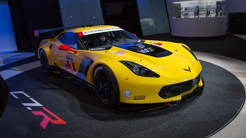 Automotive design, Vehicle, Yellow, Land vehicle, Performance car, Car, Sports car, Supercar, Fender, Hood,