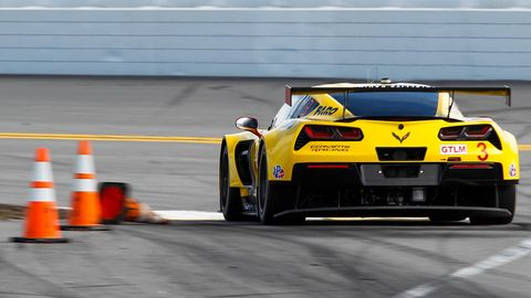 Automotive design, Race track, Vehicle, Sport venue, Motorsport, Sports car racing, Car, Performance car, Racing, Automotive exterior,