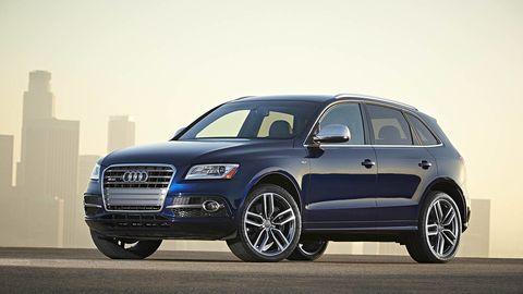 Tire, Wheel, Automotive design, Automotive tire, Vehicle, Land vehicle, Rim, Alloy wheel, Car, Grille,