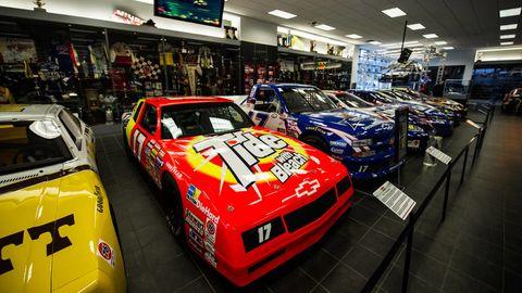 Automotive design, Automotive exterior, Car, Sports car, Hood, Logo, Race car, Motorsport, Touring car racing, Performance car,