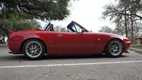Tire, Wheel, Vehicle, Automotive design, Alloy wheel, Rim, Spoke, Red, Car, Hood,