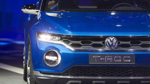 Motor vehicle, Blue, Automotive design, Vehicle, Grille, Headlamp, Car, Hood, Automotive exterior, Electric blue,