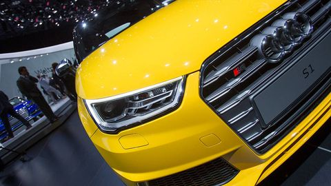 Automotive design, Yellow, Vehicle, Grille, Headlamp, Automotive lighting, Car, Hood, Bumper, Automotive exterior,